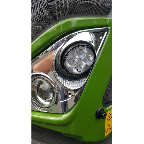 40w Fendt 724 front bonnet corner led work light (Currently not suited 936, 828 or 824 but please ask us)